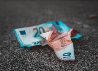 Czy utrzymanie karty wielowalutowej jest drogie?