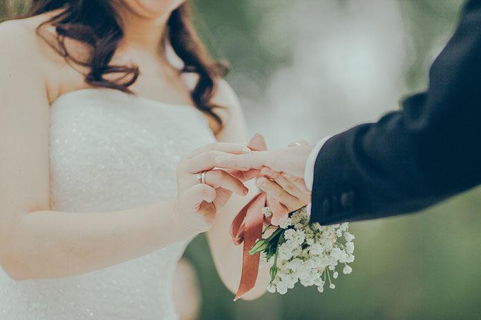 Wiązanki ślubne – jak dopasować wiązankę do typu swojej sylwetki?