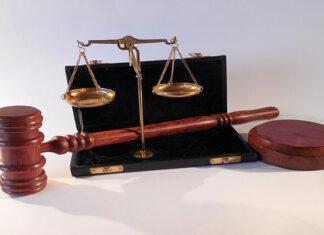Specjaliści z dziedziny prawa